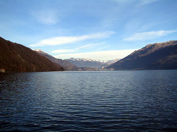 Ronco_Blick-auf-Alpen